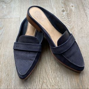 VINCE CAMUTO | Navy Perforated Mules/Slip-Ons